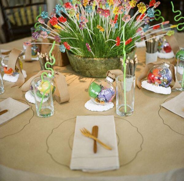 Τραπέζια για παιδιά στη δεξίωση του γάμου