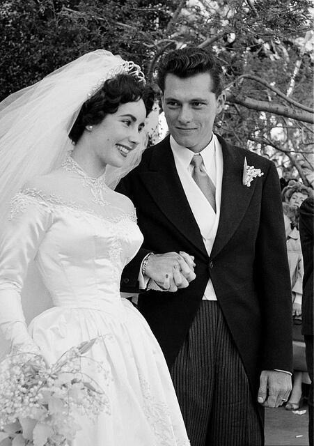 5 γάμοι που αγαπήσαμε από το παρελθόν
