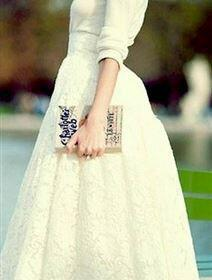 forema gia politiko gamo 3 212x280 - Το κατάλληλο φόρεμα για πολιτικό γάμο