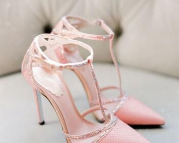 5 diaforetika stil nifika papoutsia gia to kalokeri 5 350x280 - 5 διαφορετικά στιλ νυφικά παπούτσια για το καλοκαίρι