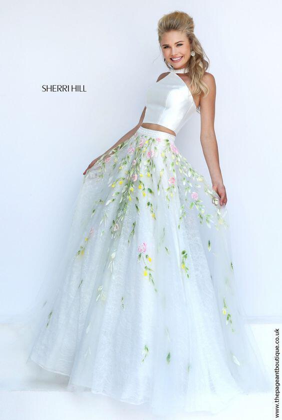 24468162c51c Πως να φορέσεις νυφική φούστα αντί φορέματος