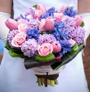 anthodesmi nifi roz τουλίπες ανθοδέσμη νύφη γάμο