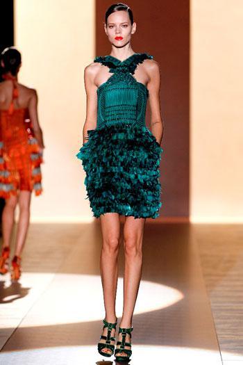 vradina foremata Gucci anoiksi kalokairi βραδινά φορέματα
