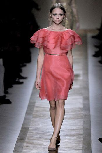 vradina foremata valentino anoiksi kalokairi βραδινά φορέματα