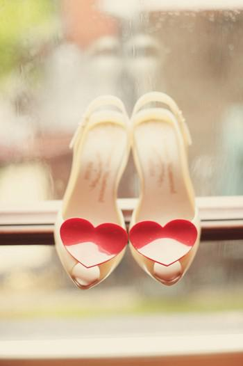 gamos γάμος baftisi βάφτιση xromatisma nifika papoutsia χρωματιστά νυφικά παπούτσια
