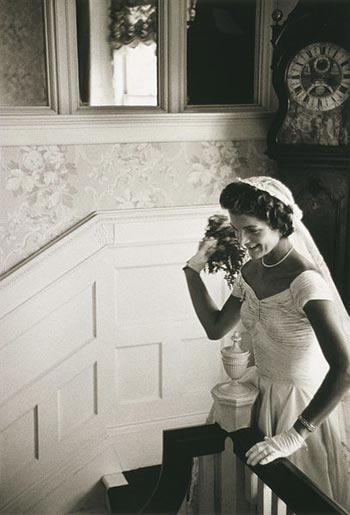 nifiko vintage styl dekaetia 50s 60s νυφικό Jackie Kennedy νύφη