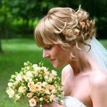 gamos nifi νύφη nifiko xtenisma konta mallia νυφικό χτένισμα κοντά μαλλιά